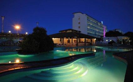 Отель Hotel Adria 4*