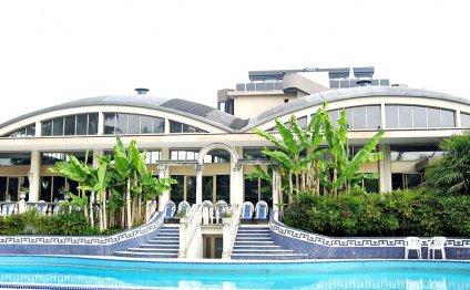 Один из отелей в Абано Терме
